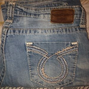 Big Star Maddie Jeans 32R from Buckle
